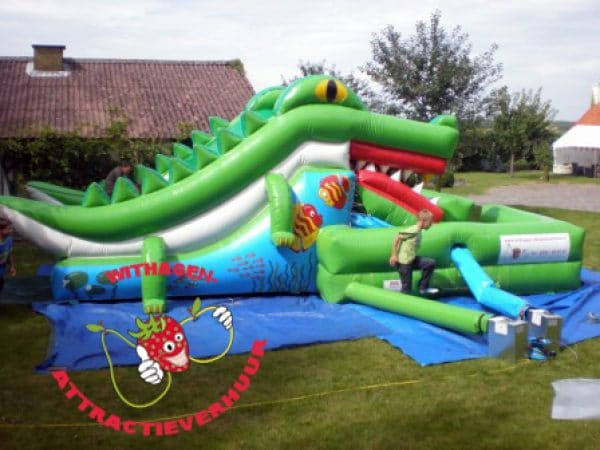 Happende krokodil stormbaan