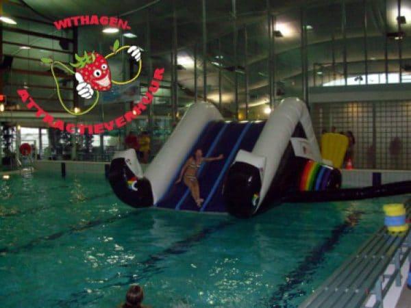 Zwembad springkussen