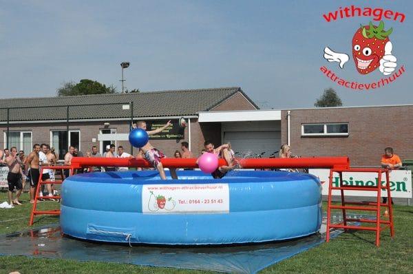 Zwembad evenwichtbalk huren