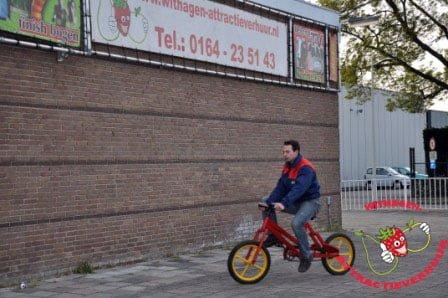 Slinger hobbel fiets rood