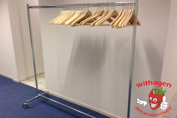 Garderobe rek met 40 stuks kledinghangers