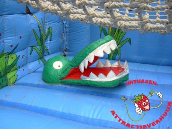 Hangbrug met krokodillen