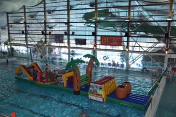 piraten stormbaan voor zwembad