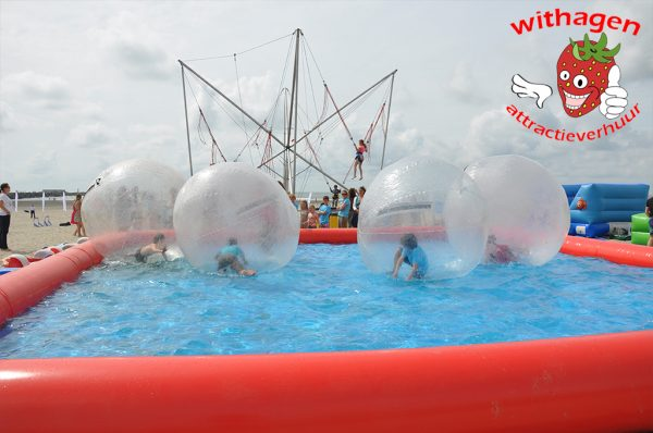 Strand water ballen huren