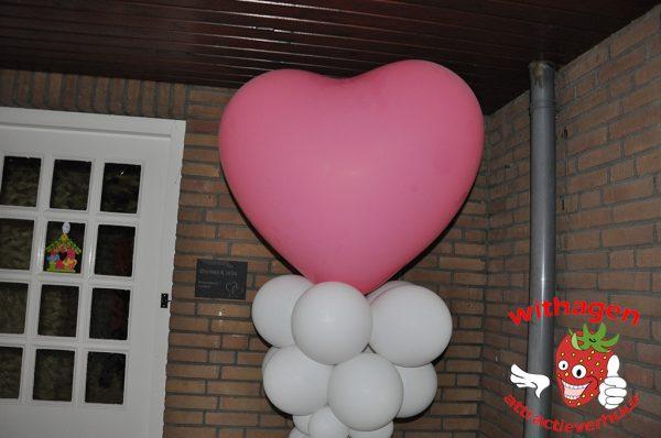 Hartjesballon op Ballonpilaar