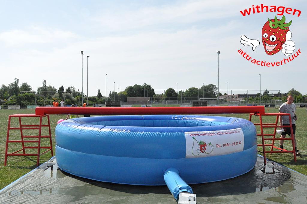 Evenwichtsbalk zwembad zijkant