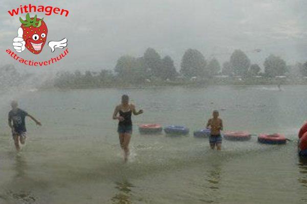 Banden op het water