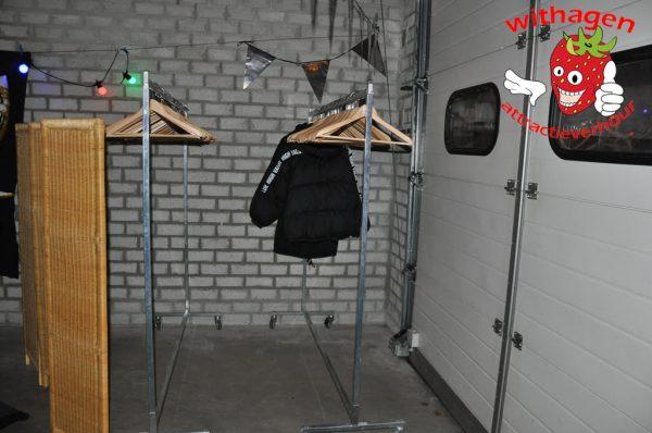 Garderoberek huren met hangers